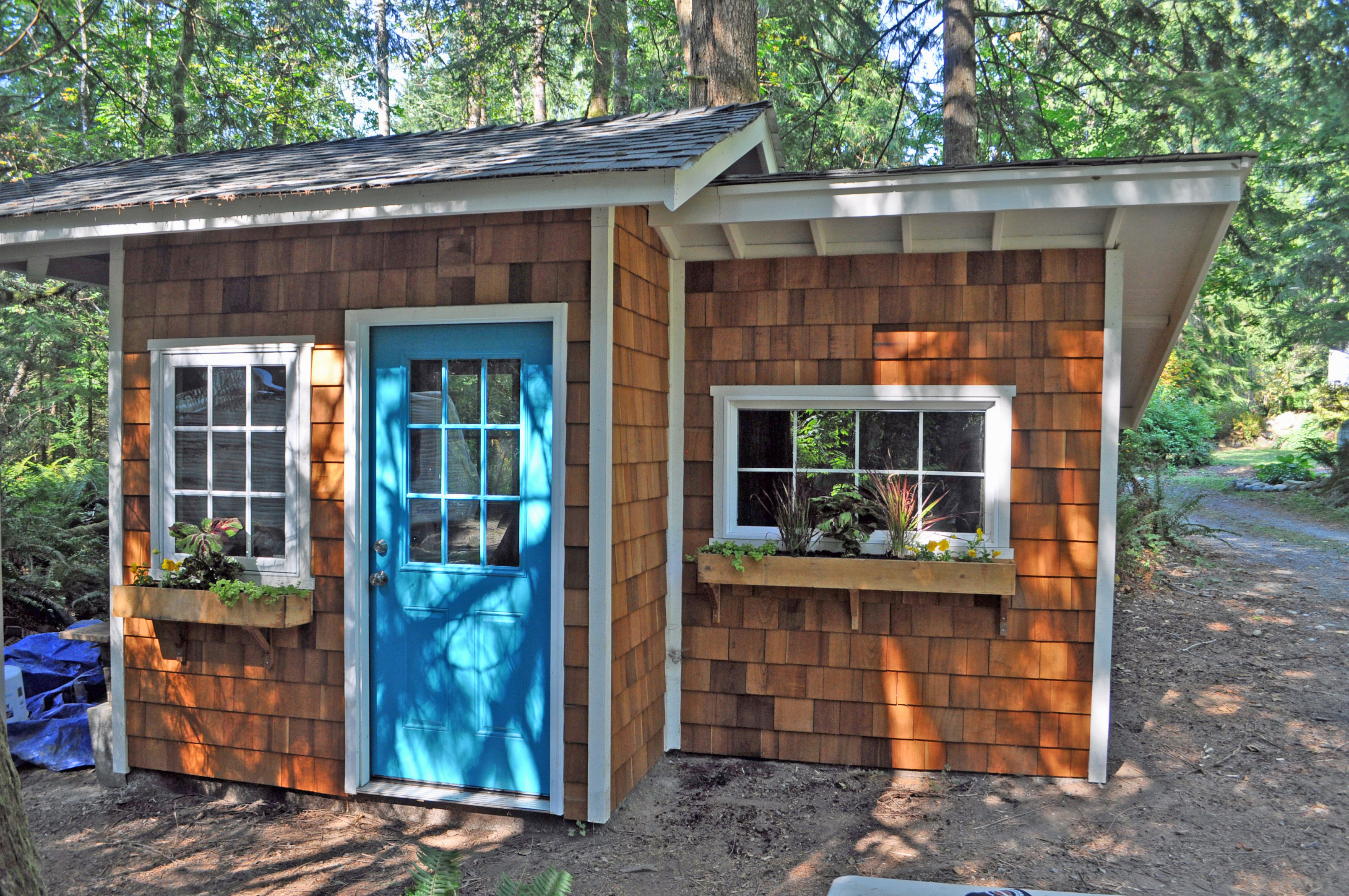 Backyard shed guest house shed kits for Shed guest house kit