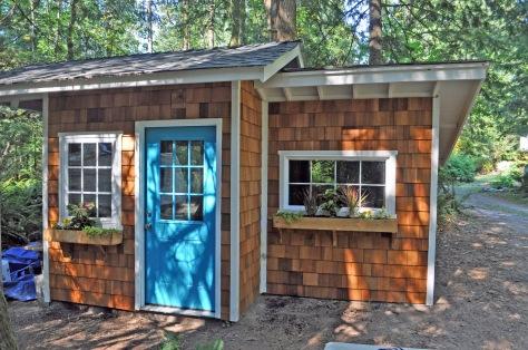 sharty build wooden shed your light. Black Bedroom Furniture Sets. Home Design Ideas