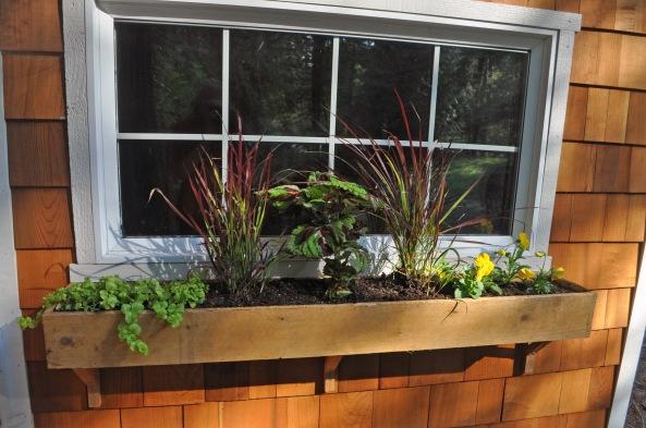 Cedar window box plans free download l shaped patio bar for Box window design
